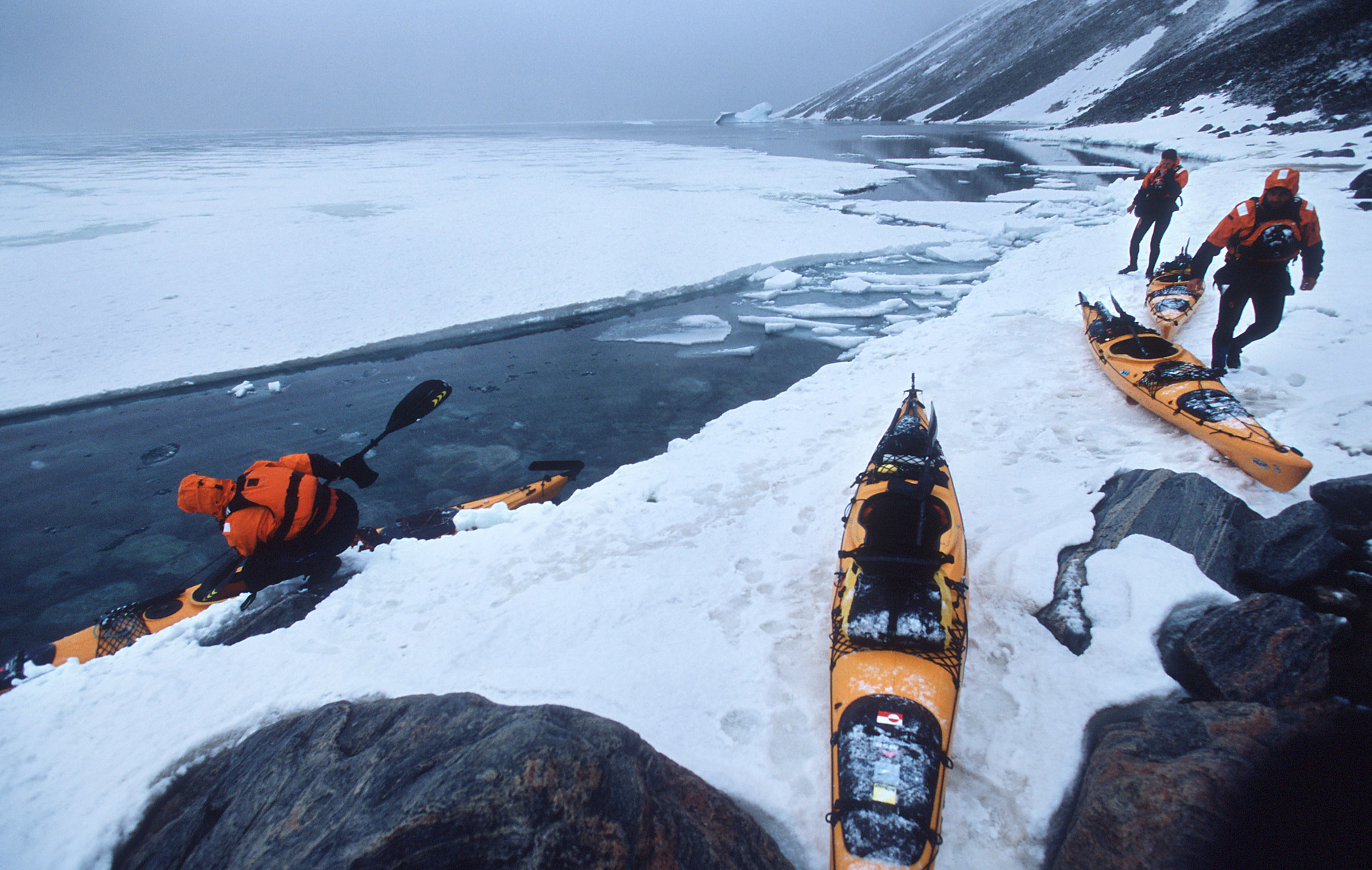 greenland-sea-kayak-snow-ice-cold